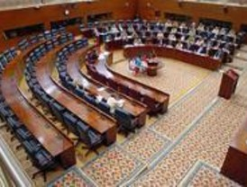 Cada diputado regional dispodrá de 200 euros al mes para taxis
