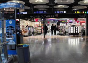 Desconvocada la huelga de 'chaquetas verdes' del aeropuerto