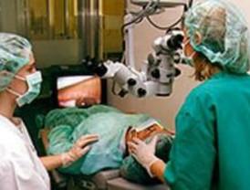 Pierde la visión de un ojo por rechazar operarse en un centro concertado