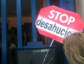 El 15-M paraliza un desahucio en Leganés