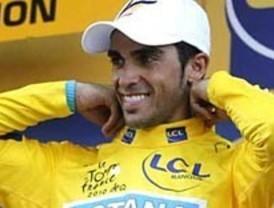 Contador suda para llegar a París como campeón virtual del Tour