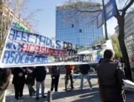 Miembros de dos cooperativas denuncian que llevan esperando 14 años para recibir sus pisos