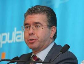 Granados dice que Aguirre ni ha pactado ni pactará con Rajoy