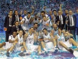 El Real Madrid celebra la Supercopa Endesa