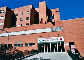 Los tres nuevos hospitalizados en el Carlos III dan negativo en la primera prueba de ébola