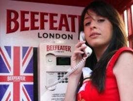 Instalan una decena de las típicas cabinas británicas en la Gran Vía