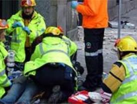 Una mujer muere golpeada en Recoletos por los cascotes de una fachada