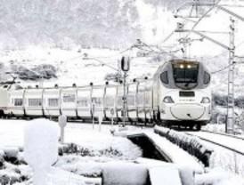 Los 148 pasajeros del tren Santander-Madrid-Alicante quedan atrapados a -13º y sin calefacción