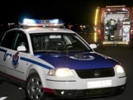 Un joven muere al caer por un puente cuando intentaba huir tras provocar un accidente