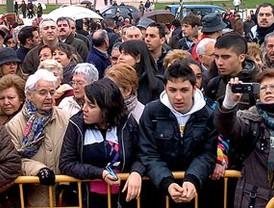 Aguirre y Gallardón esquivan a los vecinos en Las Rosas para evitar sus protestas