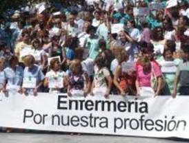 Un enfermero español atiende el doble de pacientes que uno europeo