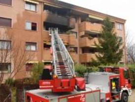 Una niña de 5 años muerta, dos heridos graves y tres leves en el incendio de una vivienda