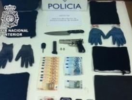 Detenidos cuatro jóvenes, tres de ellos menores de edad, por atracar 35 comercios