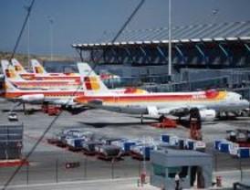 La T-4 del aeropuerto de Barajas se queda a oscuras