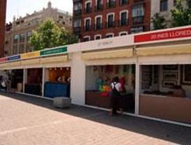 Inaugurada en la Plaza de Santa Ana la Muestra de Artesanía Creativa San Isidro