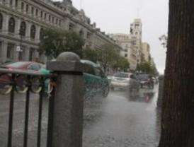 Alerta amarilla para el jueves por fuertes lluvias y vientos de hasta 80 kilómetros/hora