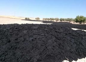 IU denuncia vertidos de 650 toneladas de lodos en campos de Madrid y Toledo
