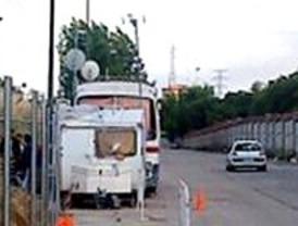 La familia que vive en un autobús destartalado en Las Tablas será desalojada este lunes