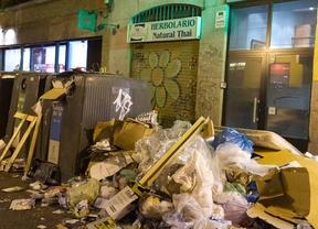 Y Botella movió ficha, rodeada por montones de basura