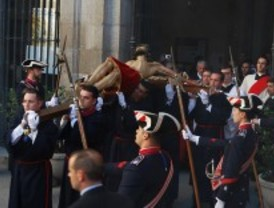 Critican la presencia de la Policía y el Ejército en las procesiones
