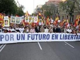 La AVT convoca manifestaciones contra la política antiterrorista del Gobierno