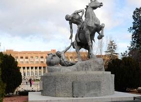 Estatua en la Universidad Complutense