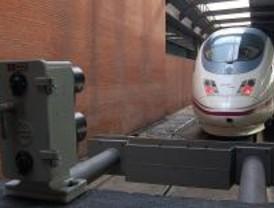 El tren Madrid-Cádiz se estrena con al menos 40 minutos de retraso