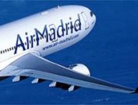 Fomento comunica a Air Madrid 'la posible suspensión' de su licencia de vuelo