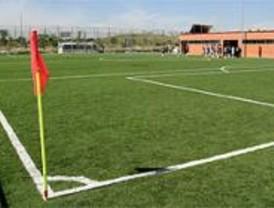 La Comunidad destina 5 millones a los Ayuntamientos para implantar césped artificial en sus campos de fútbol