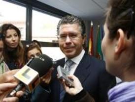 Granados ofrece información sobre los contratos de López Viejo