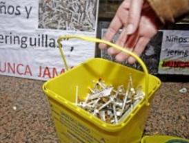 Entregan en Sanidad jeringuillas para denunciar el estado de la Cañada Real