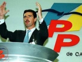 El presidente canario acusa a Aena de hacerle pasar un control de pasaportes al llegar a Barajas