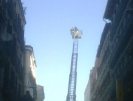 Dos intoxicados leves en un incendio