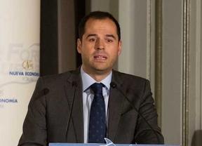 Desayuno informativo Forum Nueva Economía donde Albert Rivera ha presentado a los candidatos a la Comunidad y Ayuntamiento de Madrid, Ignacio Aguado y Begoña Villacís.