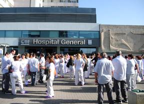 TConcentración de personal sanitario ante La Paz (archivo)