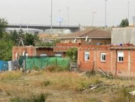 Derribado parte de un hostal de la Cañada Real Galiana en Coslada