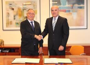 Vicente Temprado y Manuel Troitiño firman el acuerdo