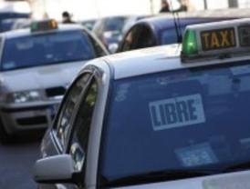 Fomento ratifica que la 'Ley Omnibus' no afecta al sector del taxi