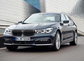BMW Serie 7, el primer coche que se puede aparcar sin el conductor dentro