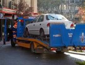 Los propietarios de los vehículos retirados por la grúa podrán localizarlos con el móvil