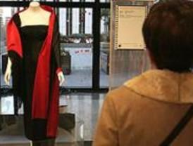Una exposición reúne veinte trajes emblemáticos de la historia del cine