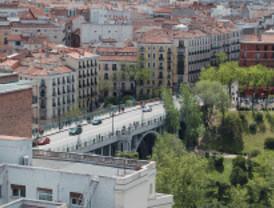 IU denuncia un desalojo de indigentes en el Viaducto