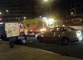 Muere un joven tras colisionar un coche y una moto en el centro de Madrid