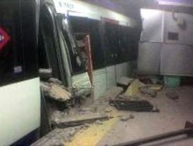 Un convoy de Metro descarrila al entrar en la estación de Moncloa
