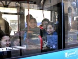 La EMT acompaña a alumnos y turistas