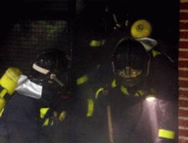 Diez heridos leves en un incendio en Marqués de Vadillo