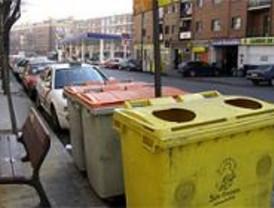 El 75 por ciento de los madrileños separa en su hogar envases de plástico, latas y briks
