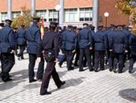 Los policías nacionales madrileños piden a Zapatero y a Aguirre un plus de 600 euros