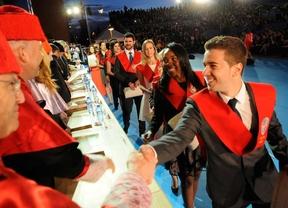 2.300 estudiantes finalizan sus estudios en la UAX