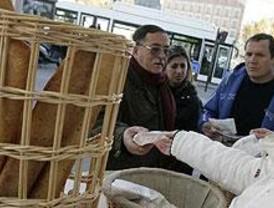 Unas 10.000 tiendas madrileñas informan sobre la importancia del pan